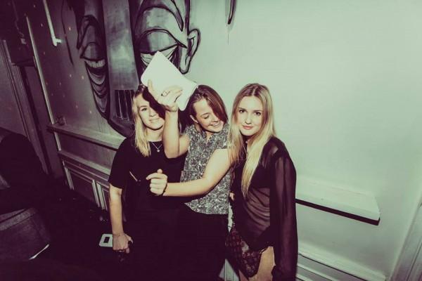 Sunday - Hedda, Marie og Me